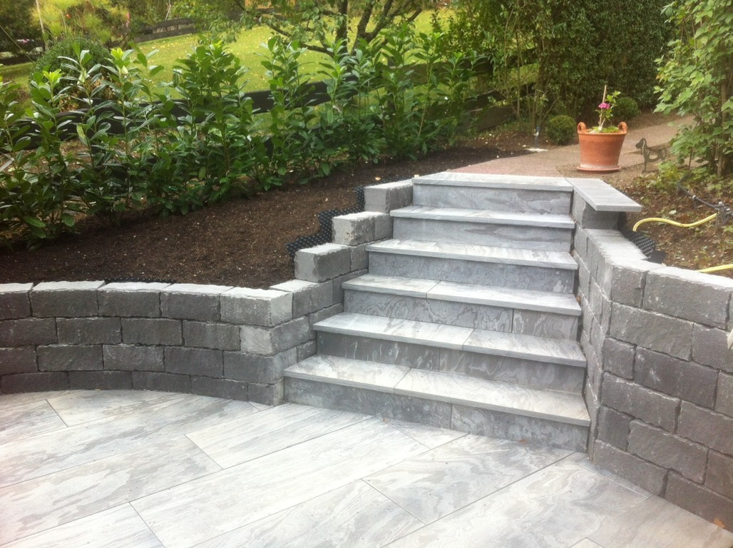 Elmi Pantina Gartenbau hochwertige Treppe