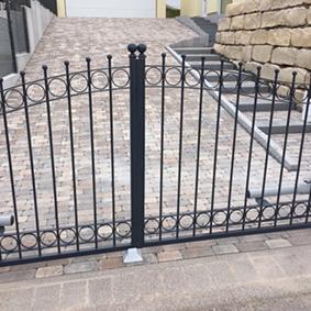 Pantina Gartenbau Einfahrt Zaun Beispiel 1